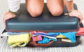 donne viaggi valigie istockjpg