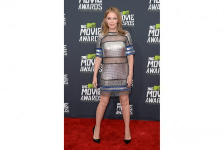 Kylie-Minogue-Paco-Rabanne-red-carpet-dress-mtv-movie-awards-2013