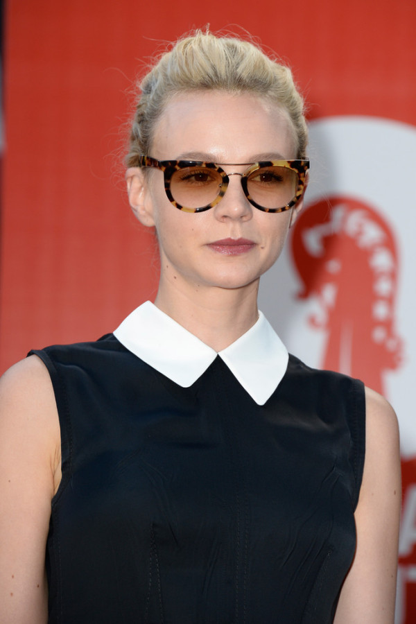 Carey-Mulligan-in-Miu-Miu-2013-Venice-Film-Festival-Miu-Miu-Womens-Tales-3-600x900