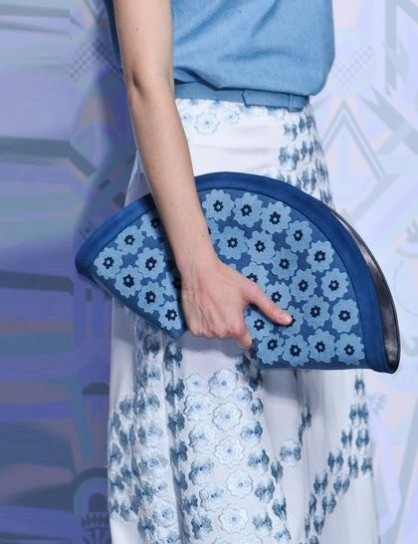 clutch-a-ventaglio-holly-fulton-stampata