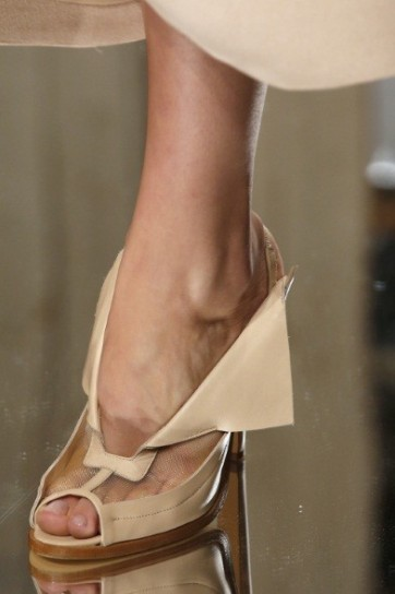 pumps-christopher-kane-peep-toe