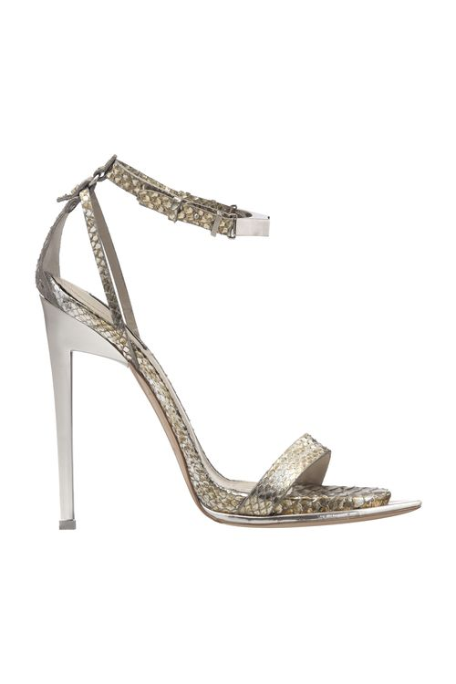 Rihanna_s_shoes_cavalli