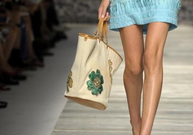 shopper-con-applicazioni-blugirl