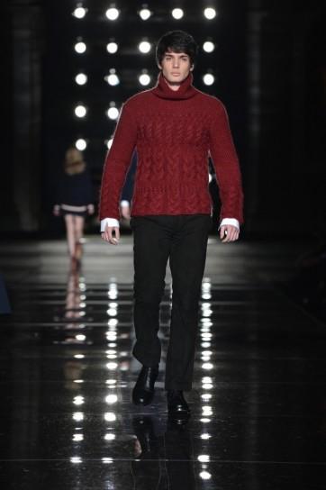 maglione-rosso-di-scervino