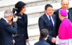 Ma come ti vesti? Agnese Renzi davanti al Papa