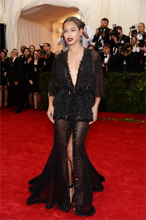 beyoncè in givenchy couture