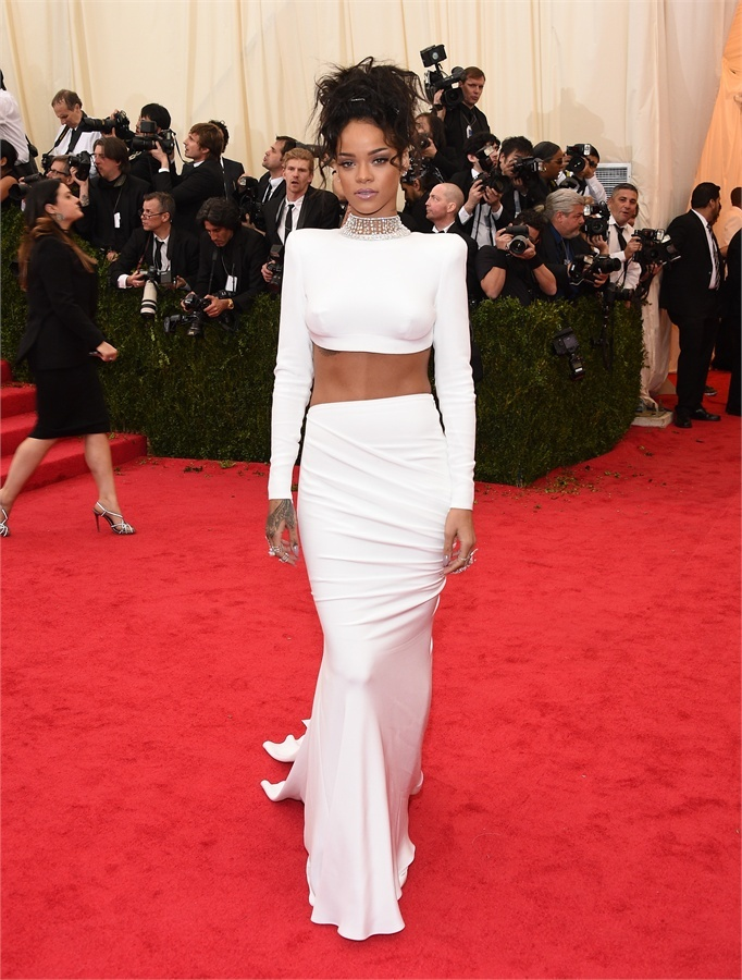 rhianna in stella mccartney