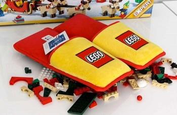 le pantofole anti-Lego