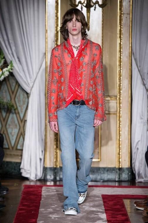 camicia-rossa-e-jeans-roberto-cavalli