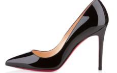 scarpe dalla suola rossa