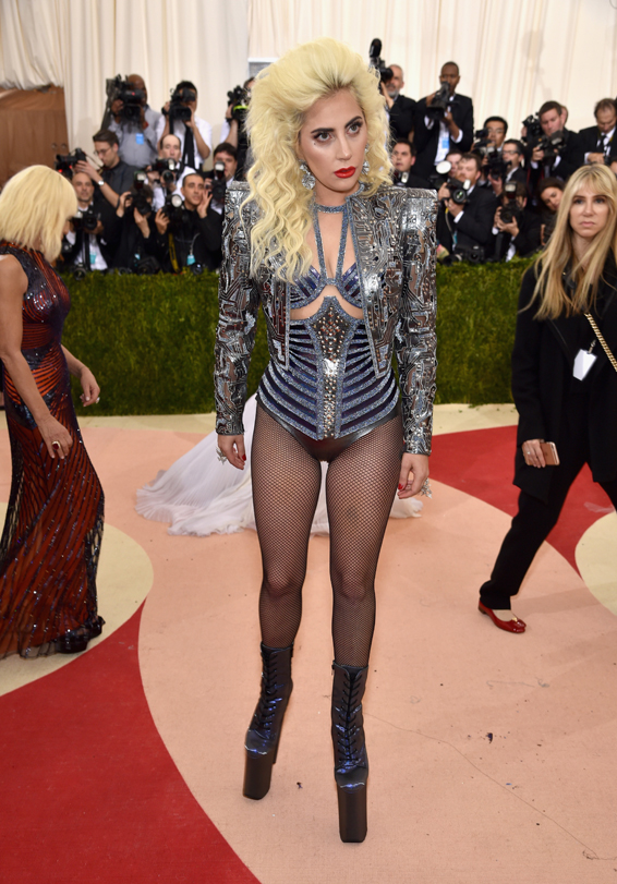 Lady-Gaga-in-Versace